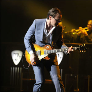 Joe_Bonamassa_by_Paul_Rodgers